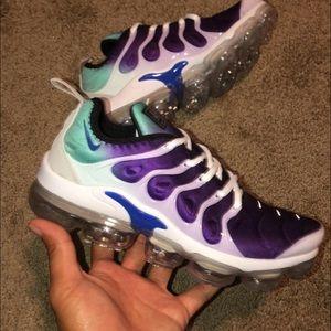 Shoes - Nike Vapormax Plus